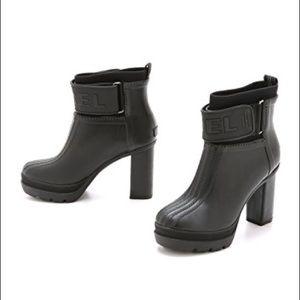 Sorel rain boot
